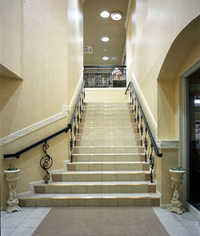 ホール階段.jpg
